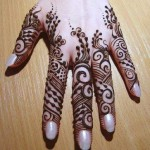 cute eid mehndi design for fingers