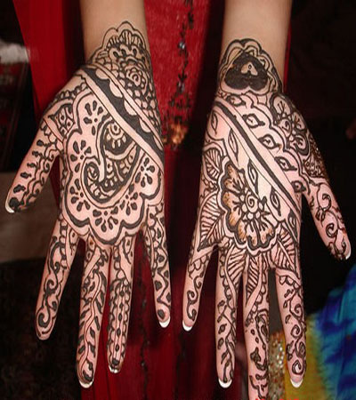 floral and heart indian mehndi design