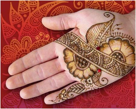gold patch shaded mehndi design for palm