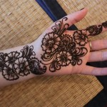 black floral shaded mehndi design