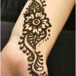wrist floral mehndi design with leaves