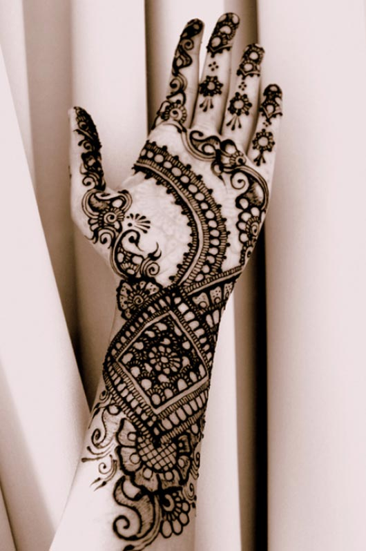 unique arabic shaded mehndi design