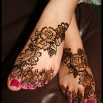 floral mehndi design for feet for bridals