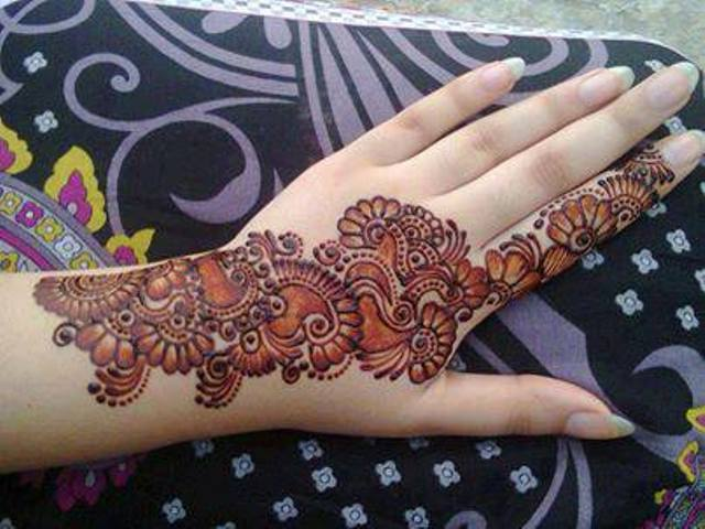 indian double shaded red mehndi design