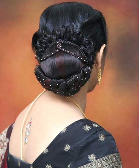 Hindu Bridal Hairstyles 14 Safe Hairdos For The Modern: Best Trendy & New Indian Hairstyles For Women 2015