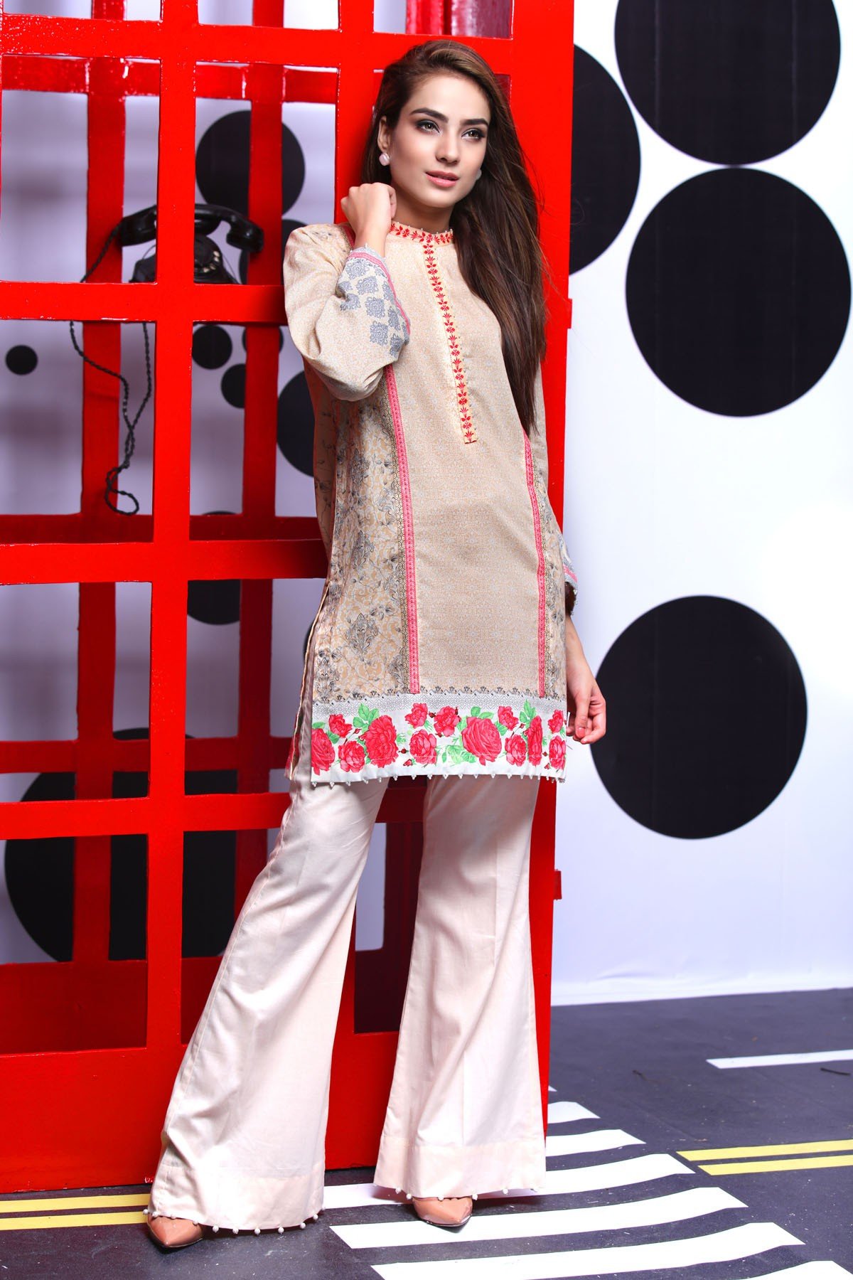 Warda spring summer collection 2016 vol 1 with prices beststylo com - Alkaram Printed Eid Lawn For Young Girls 2016