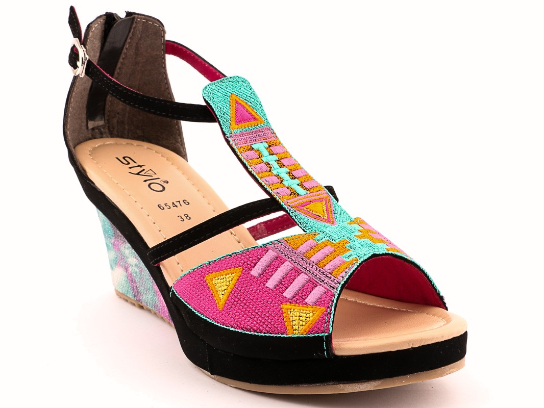 Colorful wedges by stylo for winter