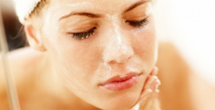 10 Simple Ways To Cleanse Your Skin Naturally At Home