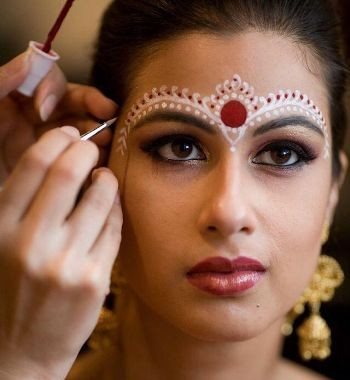 Easy Bridal Makeup Steps : Inspiring Indian Bridal Makeup Tutorial Step By Step Guide ...