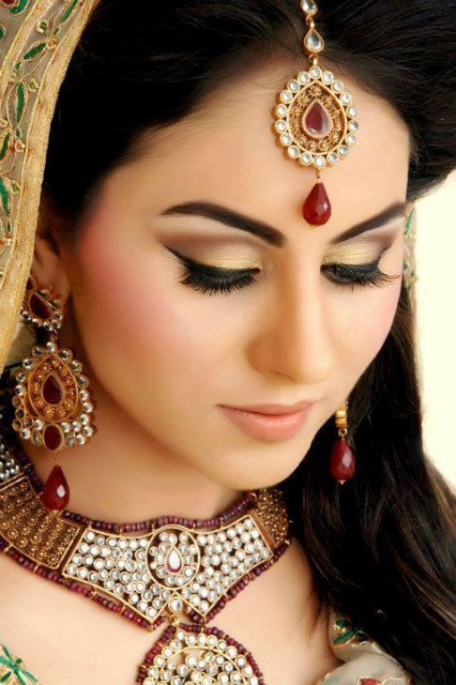 Best Pakistani Bridal Makeup Tutorial With Steps ...