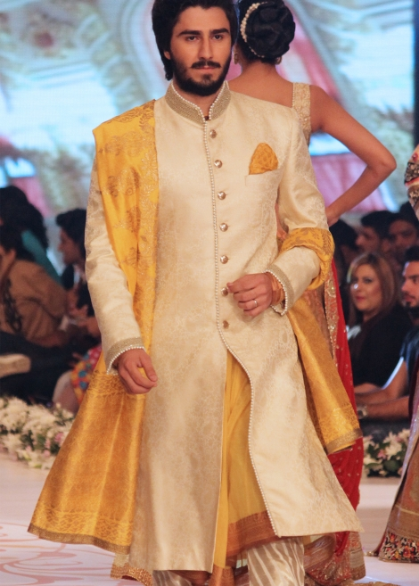 deepak perwani Corn silk shade sherwani collection