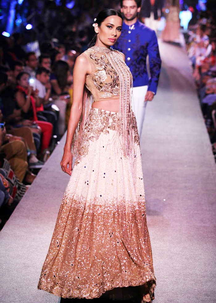 Manish Malhotra Wedding Bridal Dresses 21