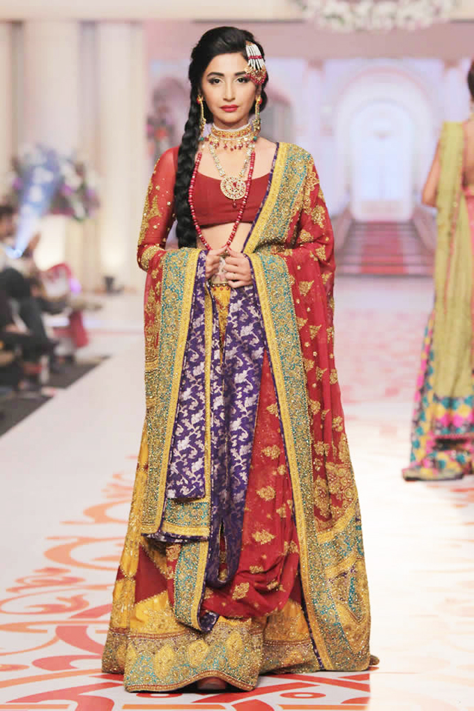 New Barat Dresses Designs For Wedding Brides 2016-2017 ...