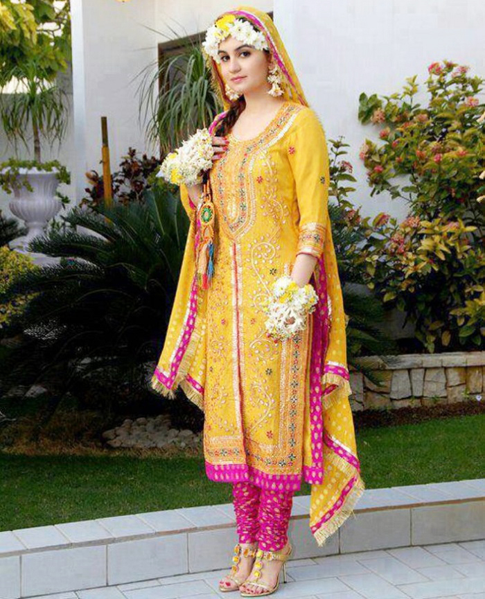 Latest Bridal Mehndi Dresses 2017 Collection