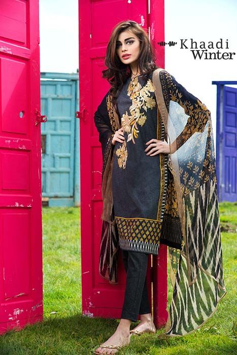 Khaadi black embroidered kurta suit paired with straight trouser