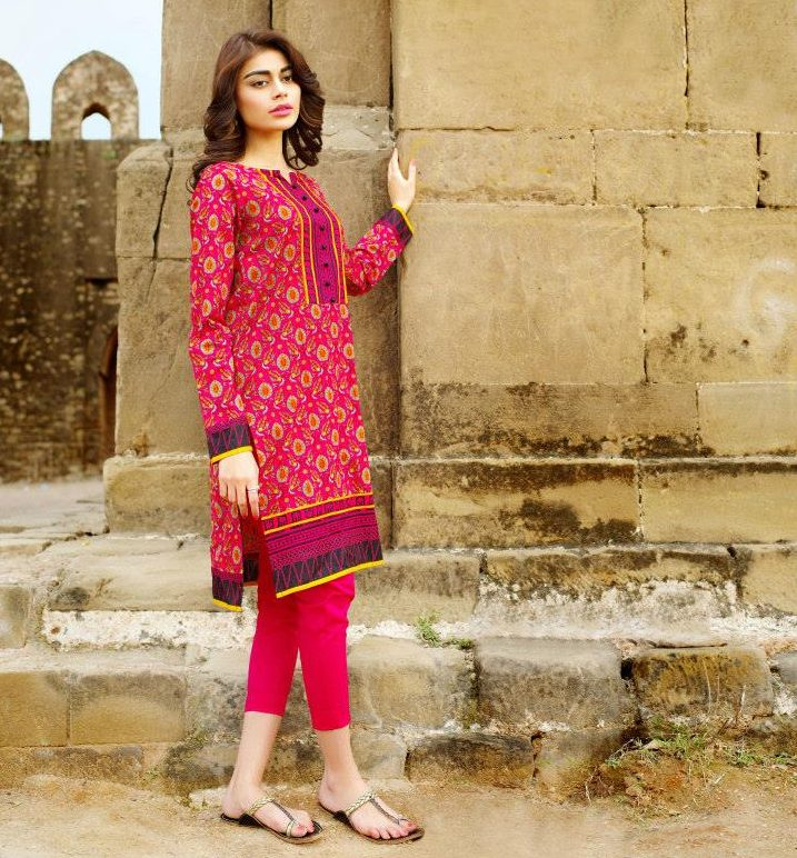 pinkish red kurta with full sleeves and elegant neckline design