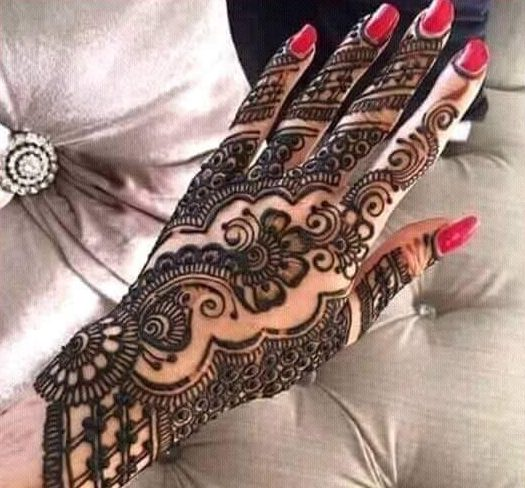 new filled back hand mehndi for events