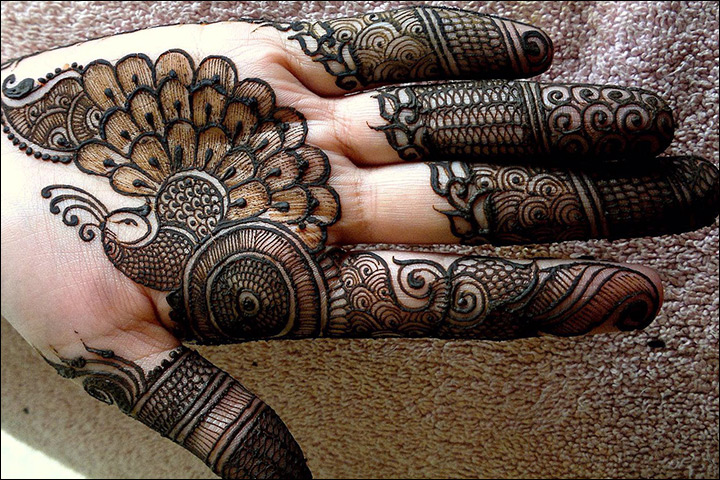 pretty peacock palm mehndi design