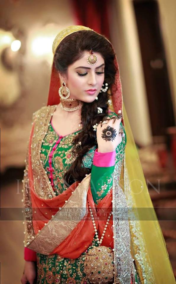 mehndi bridal in green mehndi dress