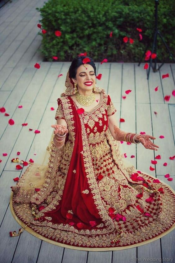 Red Blood Choli Lehnga Baraat Dresses