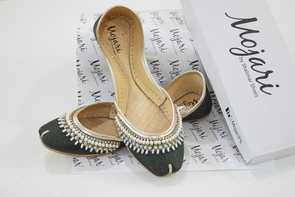 Mojari Ladies Velvet Green Khussa