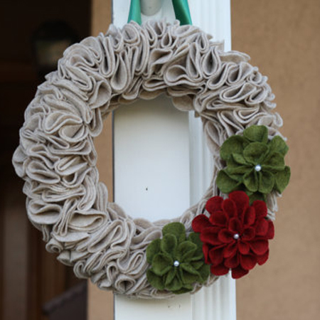 felt-flower-christmas-wreath