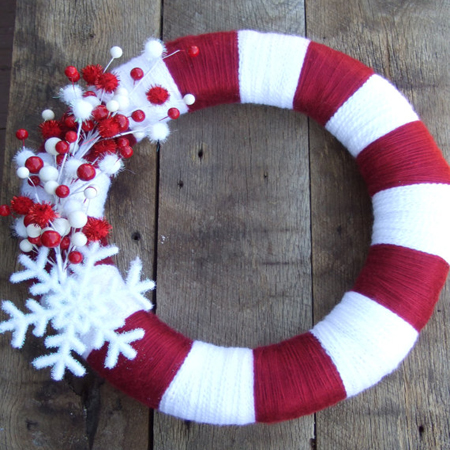 red-and-white-candy-yarn-wreath