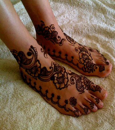 latest indian mehndi design for feet