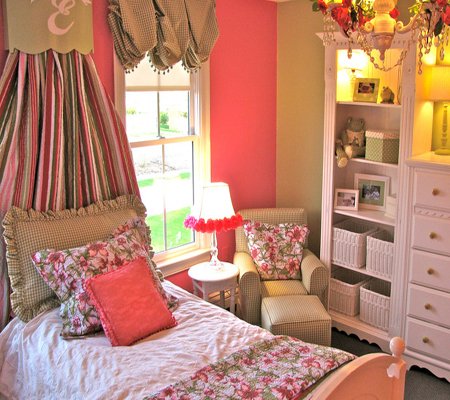 pink-sage-cottage-style-girls-bedroom