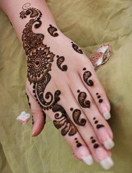 eid ul fitr floral mehndi design for hand