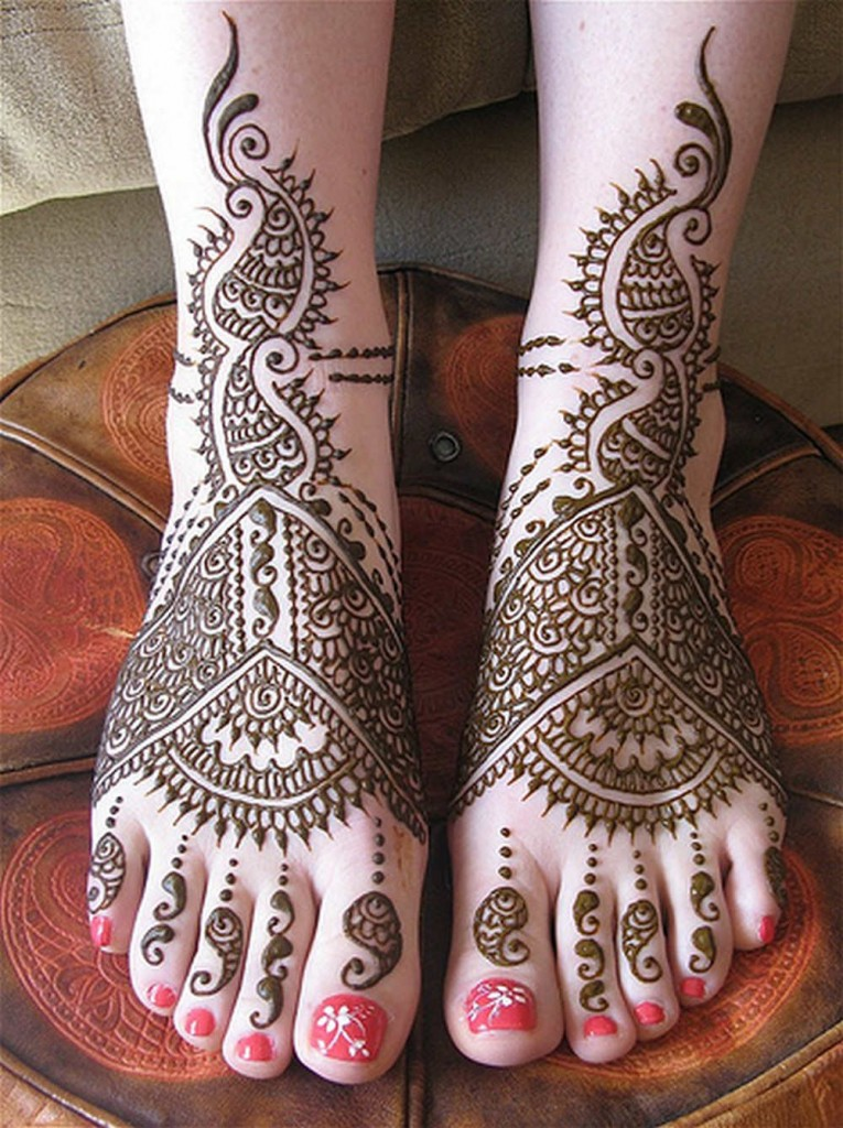 Bridal Geometric Mehndi Design for Feet