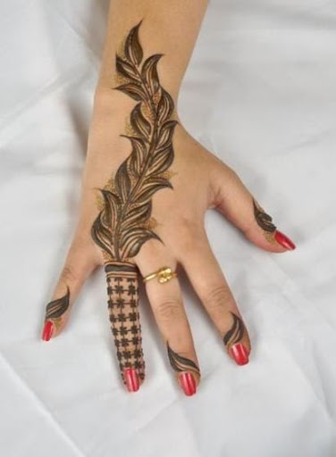 Leafy Themed Mehndi Art