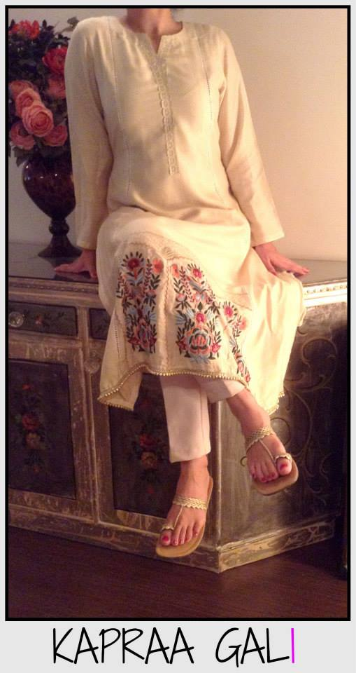 Off-white dress by Kapraa Gali By Anum Jung Latest Eid-ul-Azha Dresses 2017