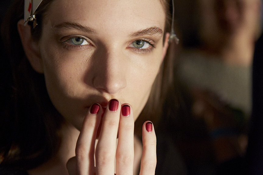 Elegant red nail trends