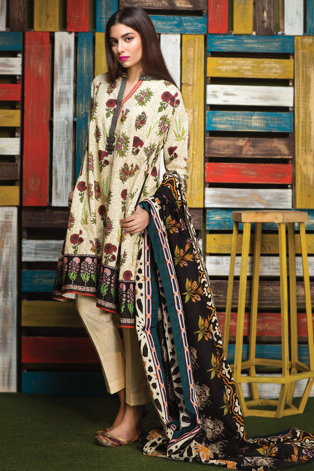 Beautiful dress for winter wear by khaadi