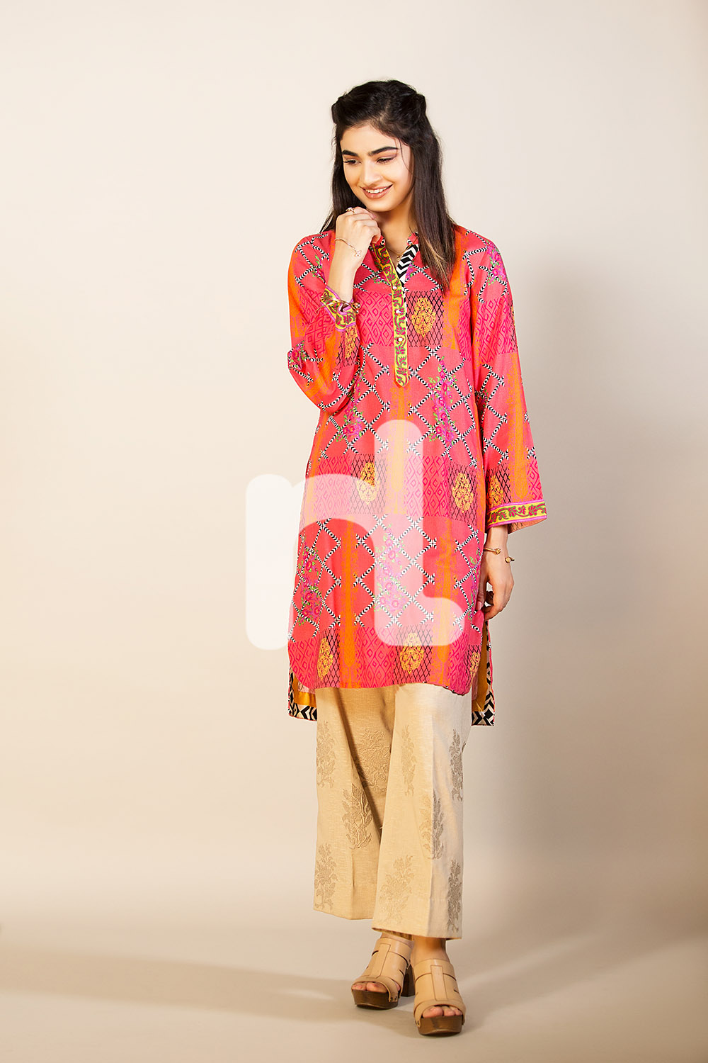 Bright Pink shirt for fall by nishat pret collection