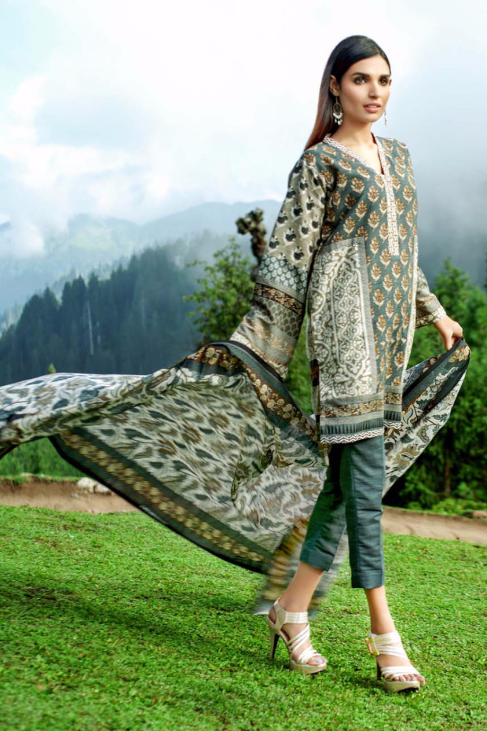 dark grey khaddar suit for fall by gul ahmed