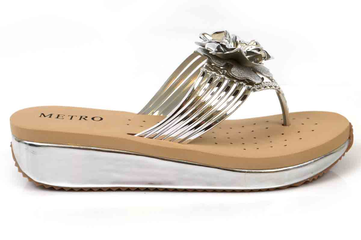 Metallic flower summer flipflop by metro 2017