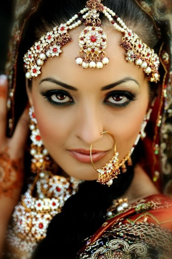 Best Makeup Ideas for the Indian Brides 8