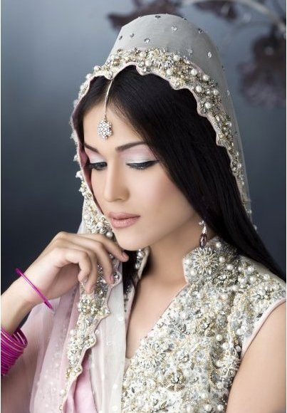 Pakistani Bridal Makeup Ideas 14