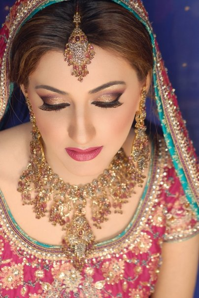 Pakistani Bridal Makeup Ideas 20