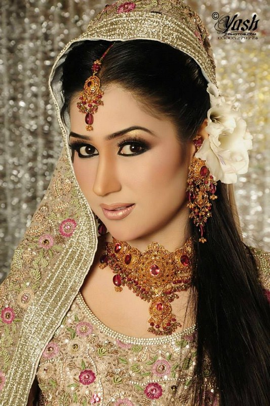 Pakistani Bridal Makeup Ideas 24