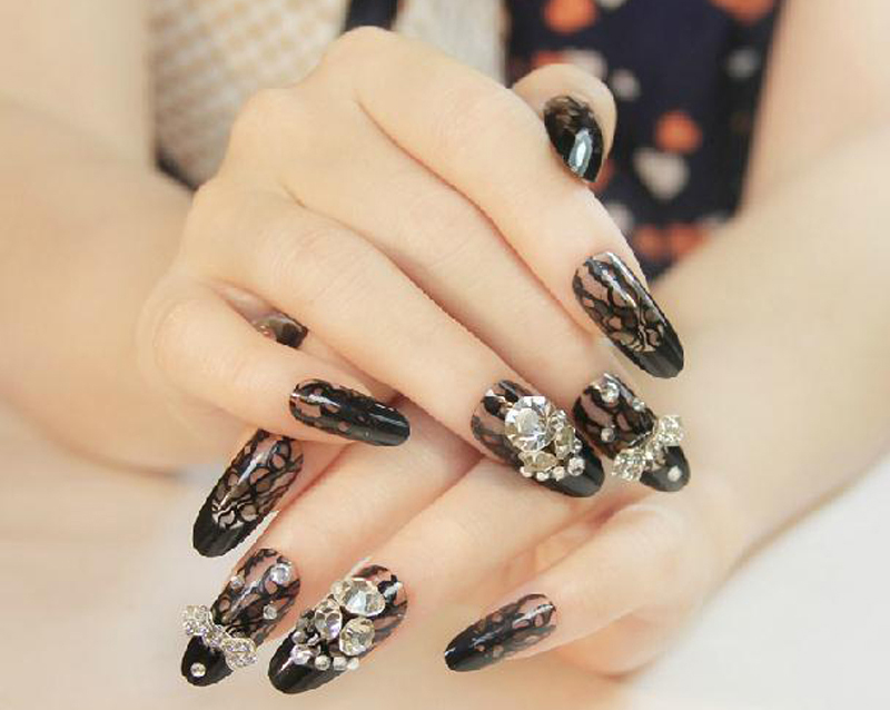 Wedding Rhinestone Nail Art Designs 02
