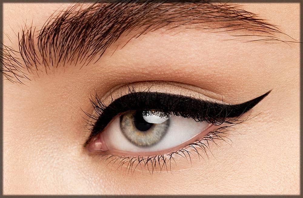 sharp eye liner - tricks to make eyes bigger and attractive