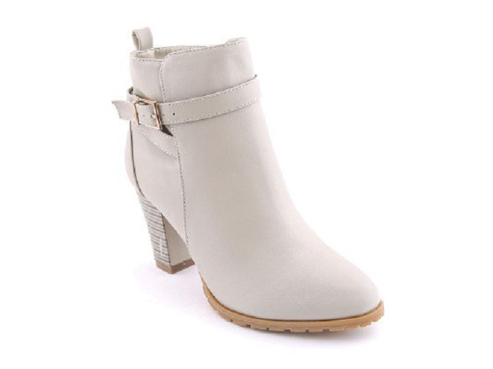 White Stylo Shoes New Winter Boots Collection For Women 2017