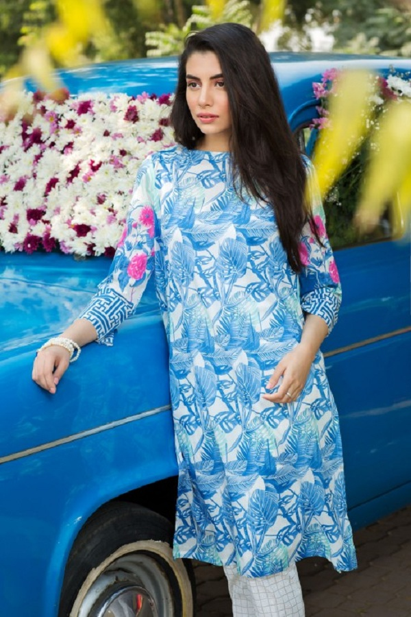 Khaadi summer dress blue and white with pink sleeves (WET ON WET PAINT)