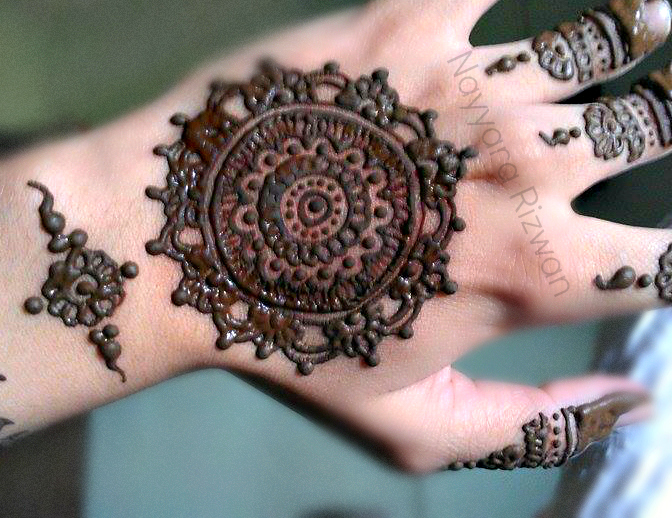 Mehndi Hands Dps : Latest tikki style mehndi designs for hands beststylo