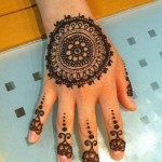 simple tikki mehndi design for back hand