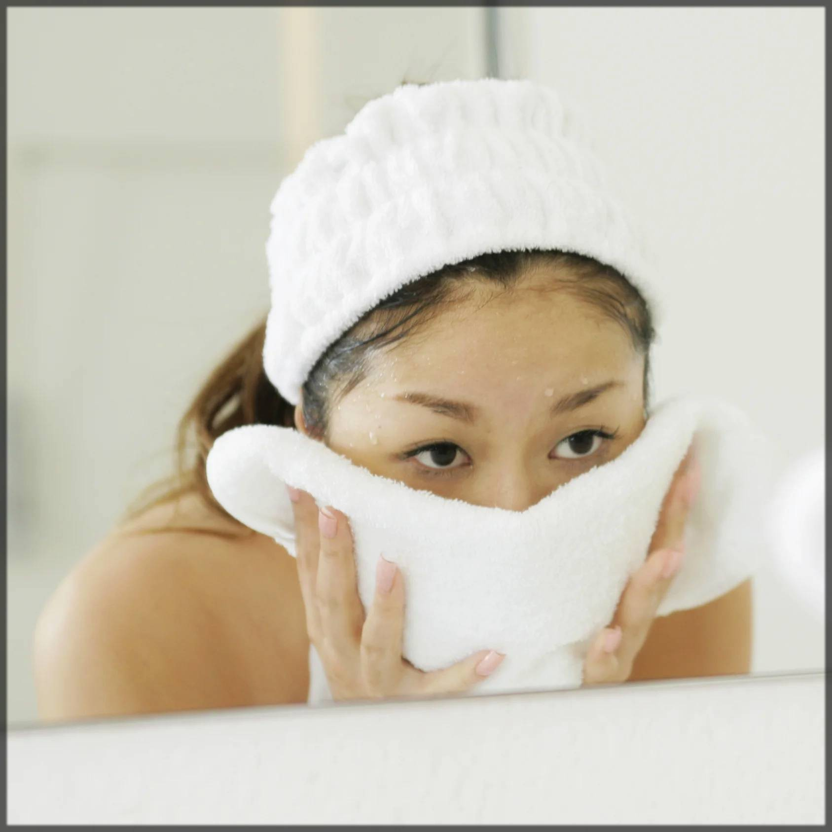 hot cloth or towel steam for perfect skin whitening facial at home