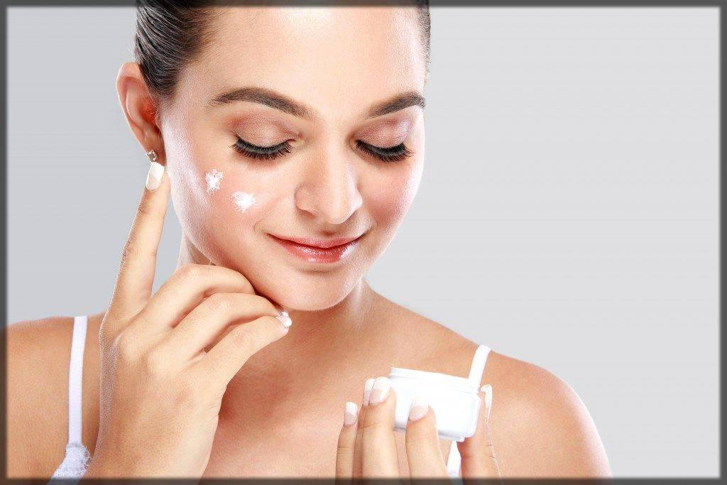 moisturize the skin after doing skin whitening facial at home